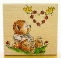 熊と小鳥と花かんむり